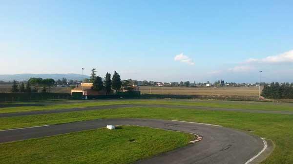 Foto-principale-pista-karting-arcobaleno3